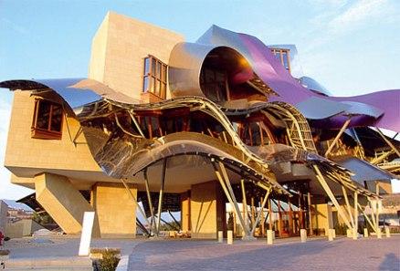 Ciudad del Vino creata per Marqués de Riscal dal canadese *Frank O.Gehry a Elciego