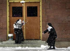 nuns-snowball-fight