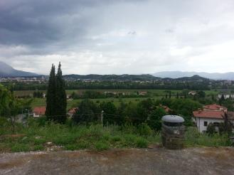 Nova Gorica a sinistra e Gorizia a destra.