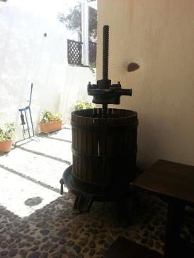 Vecchio torchio per uva.