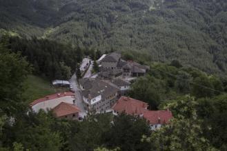 katogi-aveoff-hotel-winery