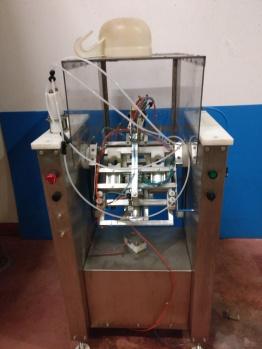 Il macchinario di Ilario Reggianini è l'unico al mondo che riesce a fare la sboccatura a la volée